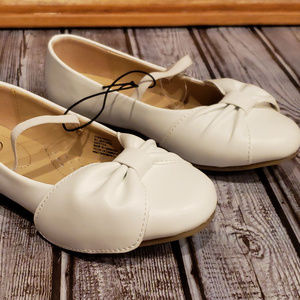 Wonder Nation white dress shoes